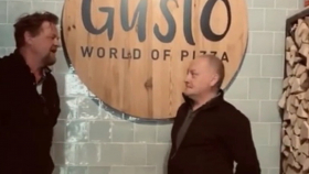 Corona-crisis: VVD bezoekt Gusto World of Pizza [Video]